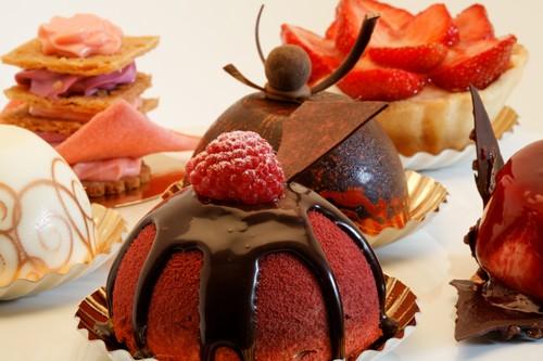 Gâteau Assiette D 18,5 cm inconnue Fabricant Chine pourpre